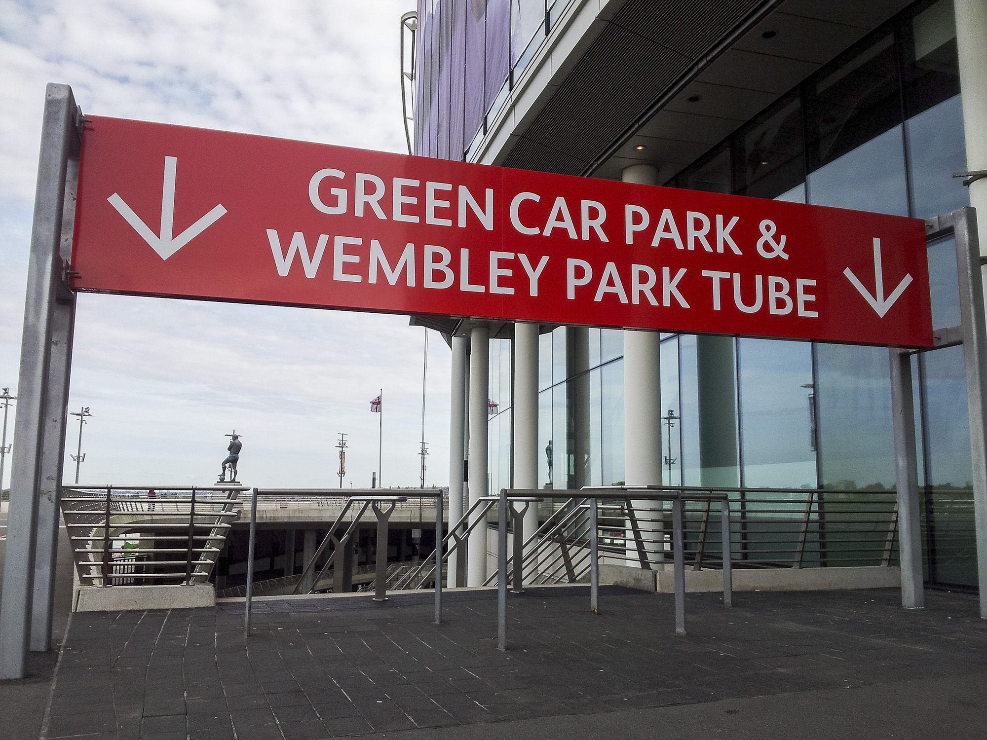 WNSL Wembley - series of overhead waymarking gantries